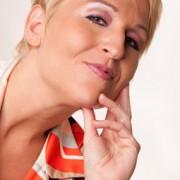Annette Kruhl   Musikkabarettistin und Autorin
